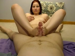 Sexy Anabelle giving a HOT footjob!!