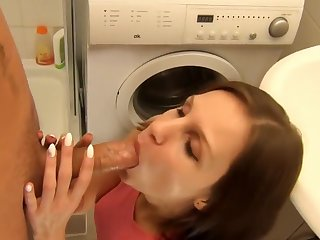 100% PRIVATE CREAMPIE FUCK - BATHROOM!