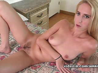 Horny pornstars Liza Rowe, Cadence Lux in Crazy Solo Girl, College sex video
